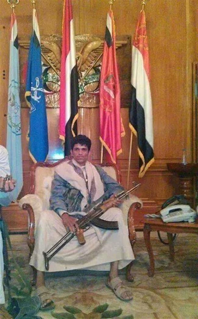 حوثي بكرسي وزير الدفاع