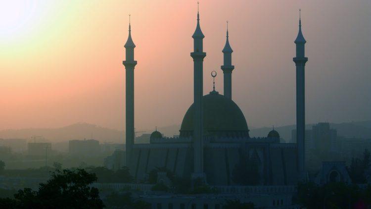 مسجد أبوجا الدولي، نيجيريا