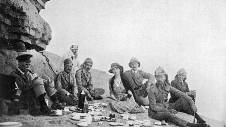 Gertrude-Bell-picnics-in-014-750x422.jpg