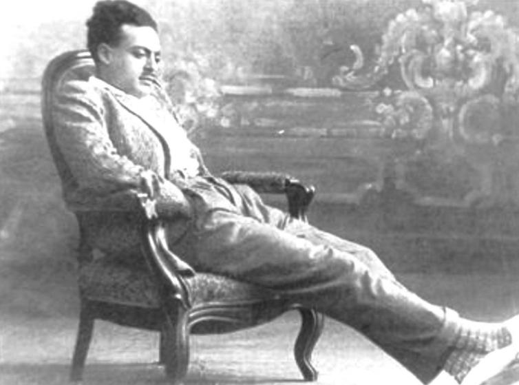 الشيخ زكريا أحمد في شبابه