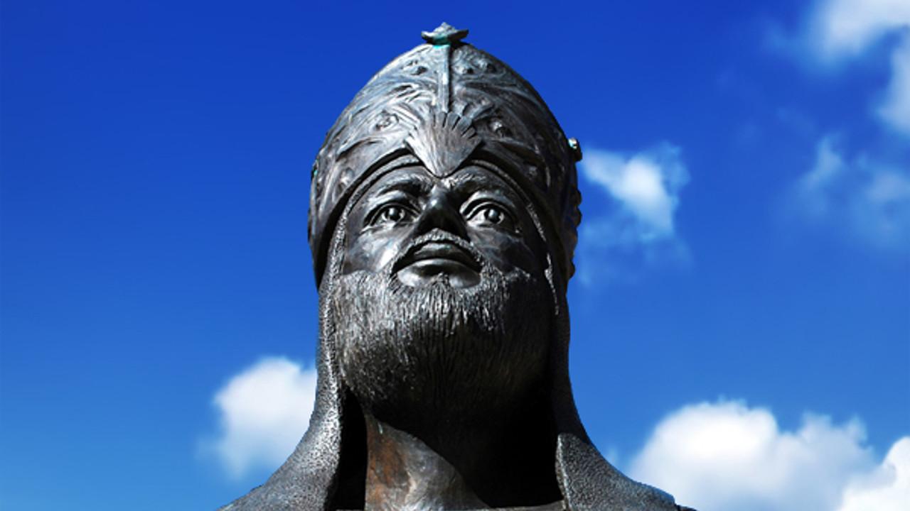 تمثال الحاجب المنصور في قلعة النسور، أبي عامر، الأندلس