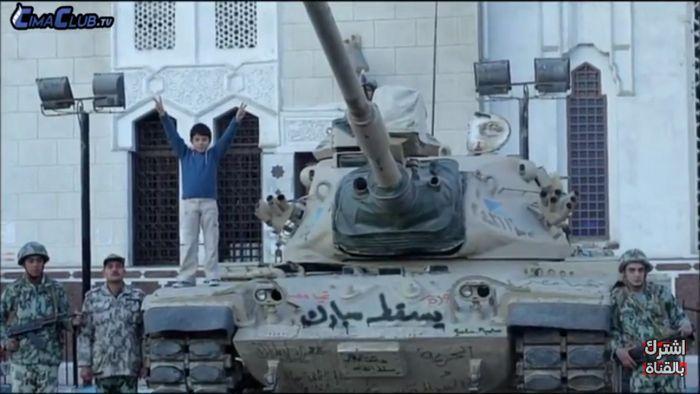 فيلم 18 يوم، أحمد حلمي