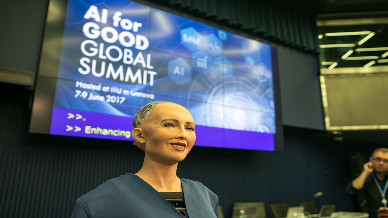 الروبوت صوفيا أول روبوت مواطن