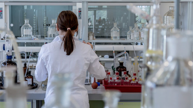 العلم، النسوية، معمل، نساء في العلم