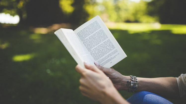 نتيجة بحث الصور عن قراءة كتاب