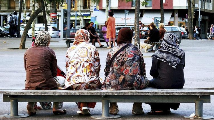 المسلمون في الغرب، نساء، عرب
