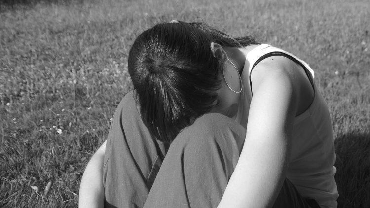 العنف الجنسي, قضايا المرأة, مواقع التواصل