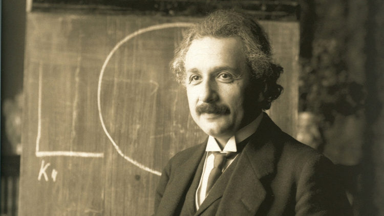 ألبرت أينشتاين