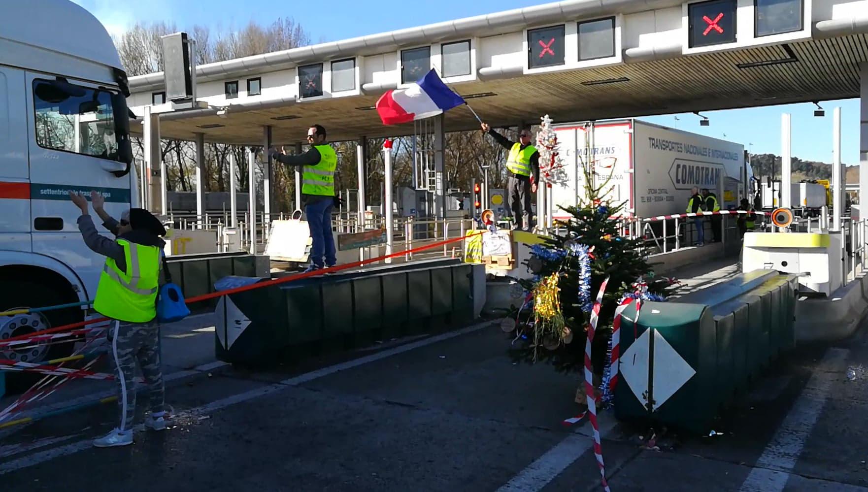 جانب من مظاهرات السترات الصفراء في الجنوب الفرنسي