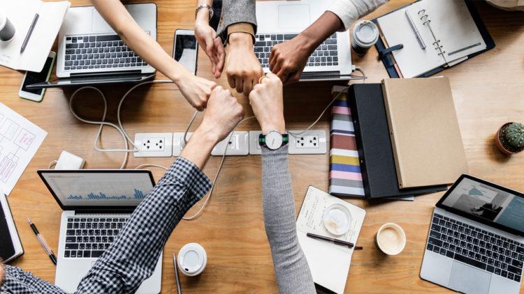 مجتمع، تقنية، سوق العمل