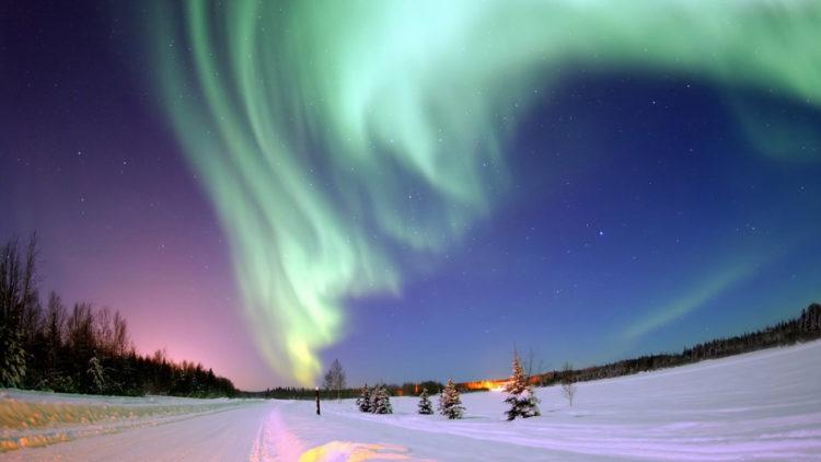 الشفق القطبي, قاعدة أيلسون الجوية, أﻻسكا, الشفق القطبي, عاصفة شمسية