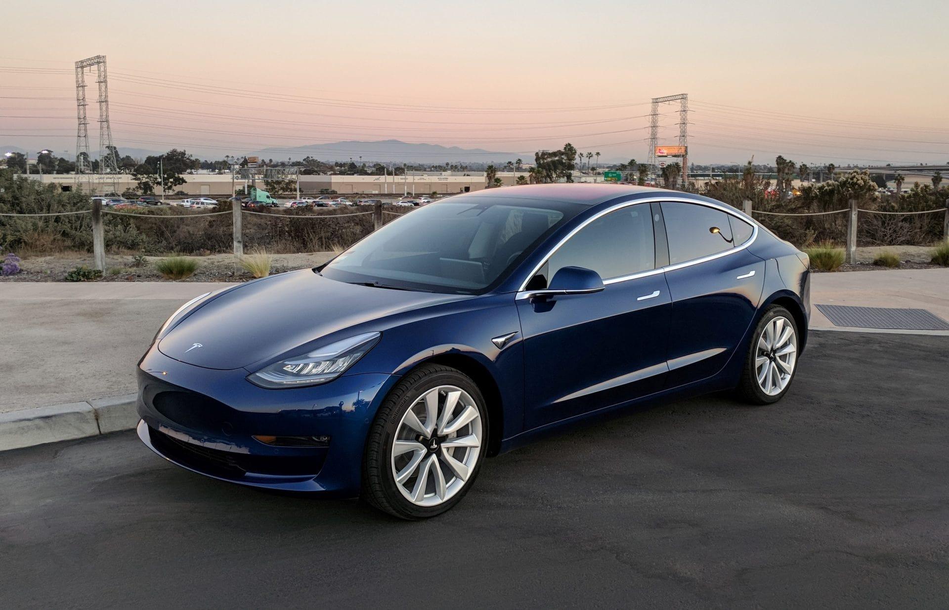 سيارات كهربية، طاقة نظيفة، نيسان، فولكس، مرسيدس، ببي ام دابليو، تسلا