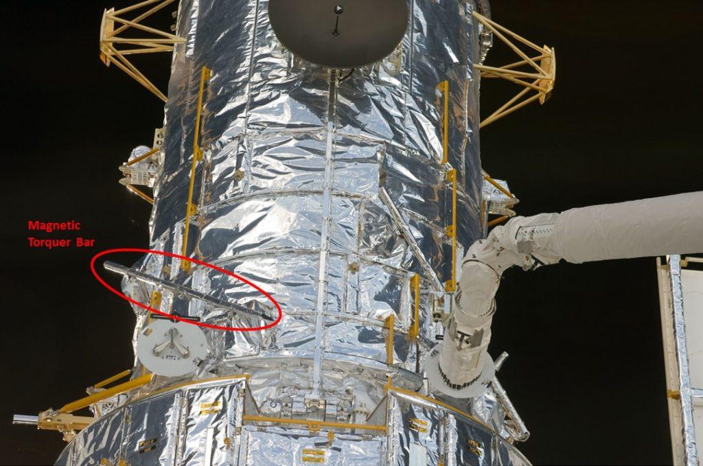 صورة توضح احد ال  Magnetorquers على متن التلسكوب هابل