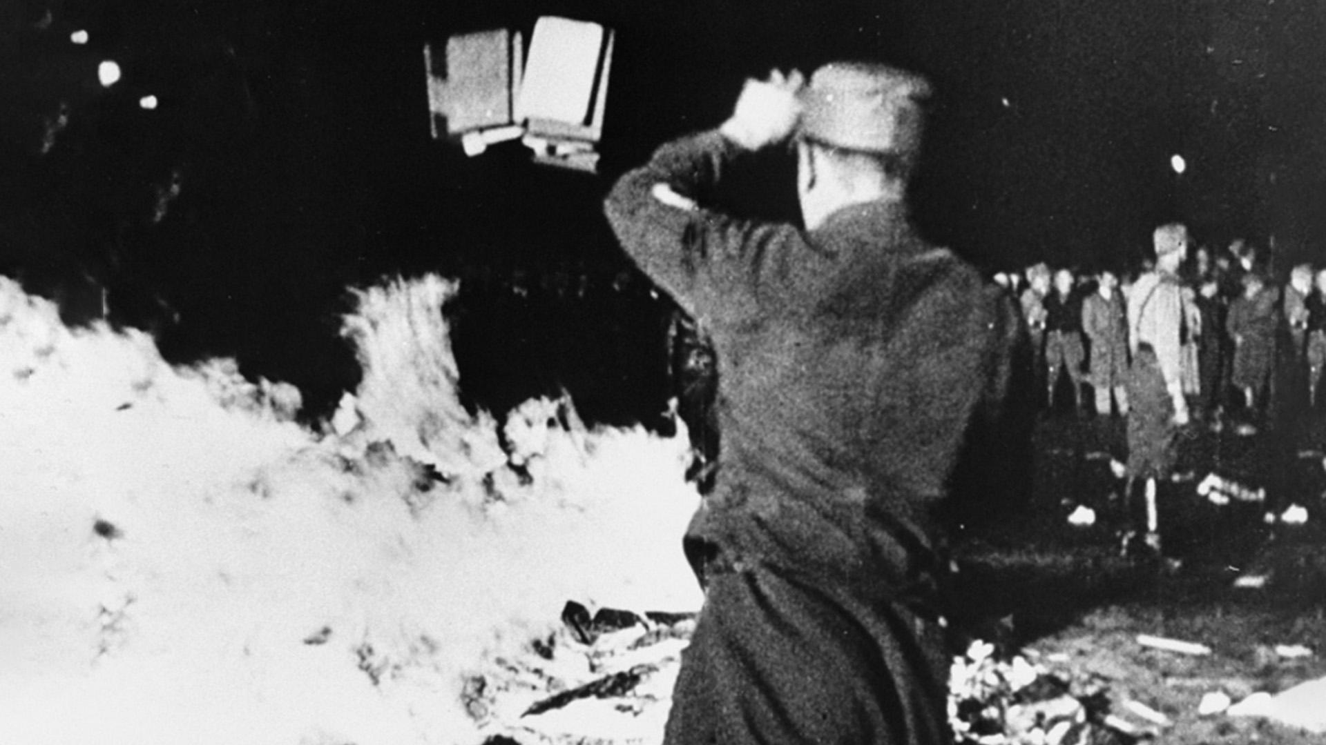 حرق الكتب, النازية, ألمانيا, إبادة الكتب, مراجعات, قراءات, تاريخ
