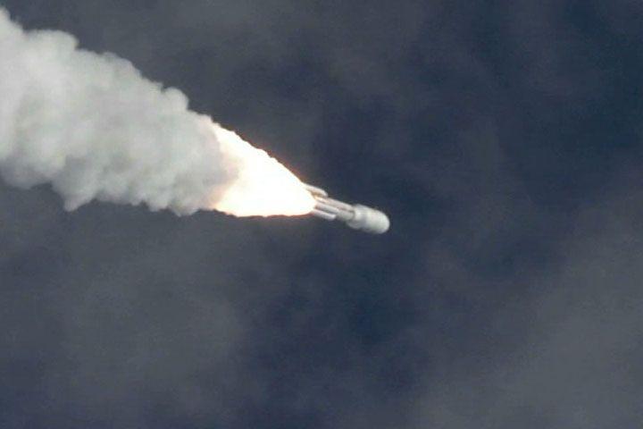 الصاروخ حامل المركبة مريخ 2020