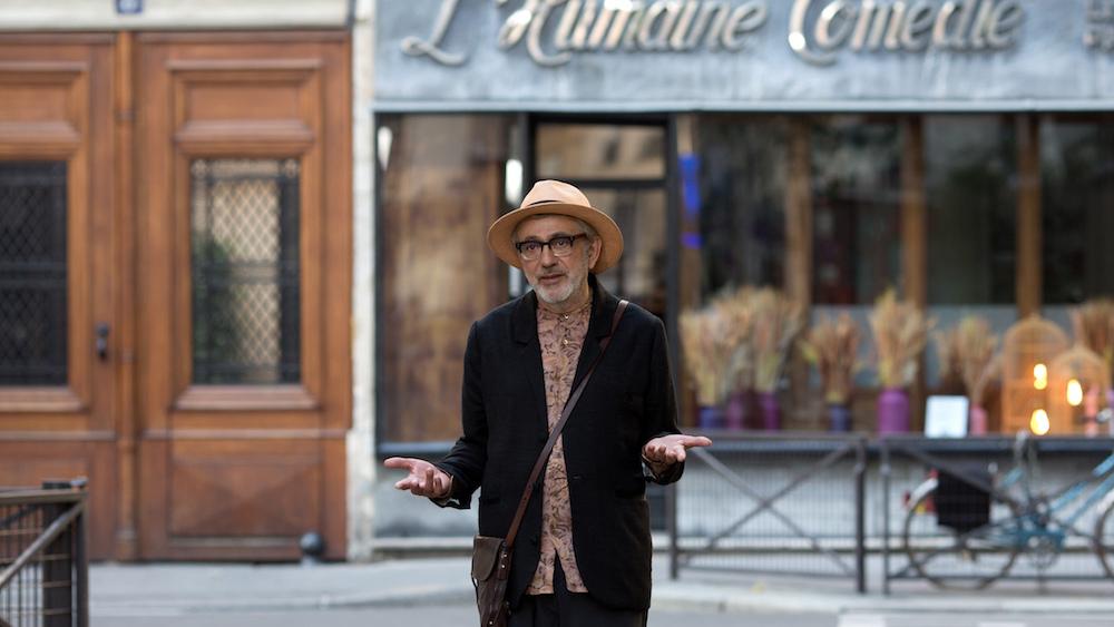 إيليا سليمان في فرنسا في فيلمه ان شئت كما في السماء