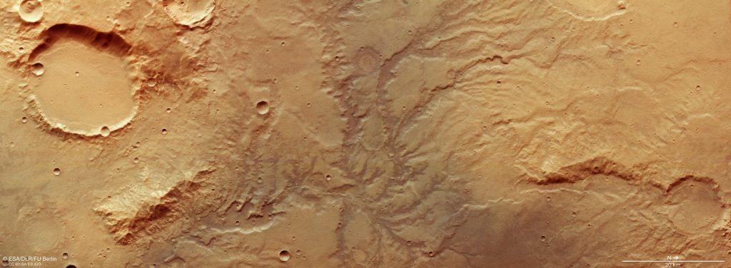 شبكة أنهار جافة على سطح المريخ