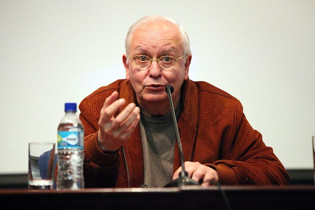 المنظّر السياسي الأرجنتيني إرنستو لاكلو