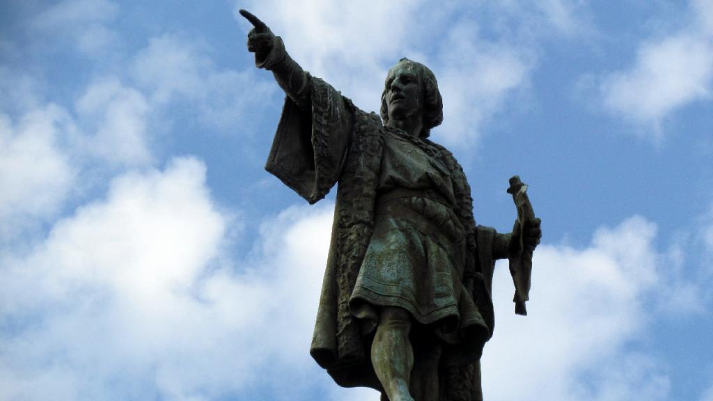 تمثال كريستوفر كولومبوس في مدينة برشلونة الإسبانية