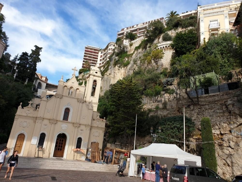 كنيسة موناكو (العذراء المقدسة)