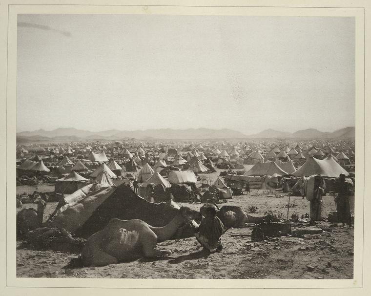 معسكر الحج خارج مكة