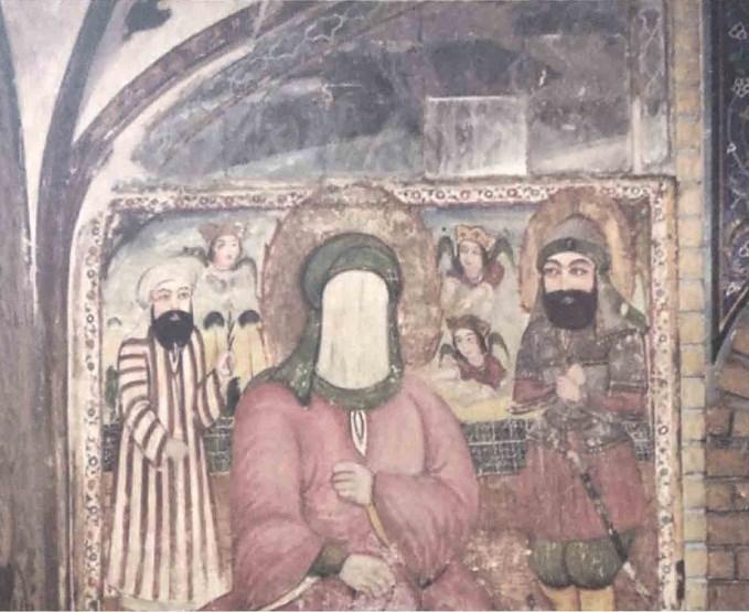 جدارية على مسجد أصبهان تصور النبي صلى الله عليه وسلم (محجوب الوجه) وخلفه علي بن أبي طالب رضي الله عنه في زي حربي