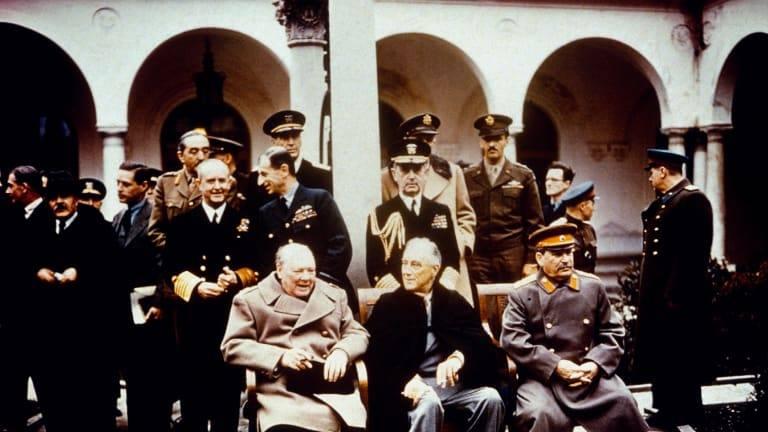 مباحثات السلام في يالطا 1945