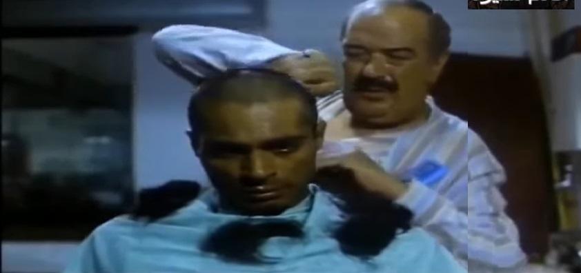 حسن حسني في دور محمد الحلاق من فيلم عفاريت الأسفلت - إخراج أسامة فوزي