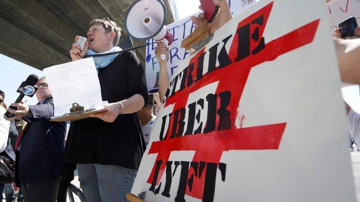 احتجاجات سائقي أوبر في إضراب اليوم الواحد
