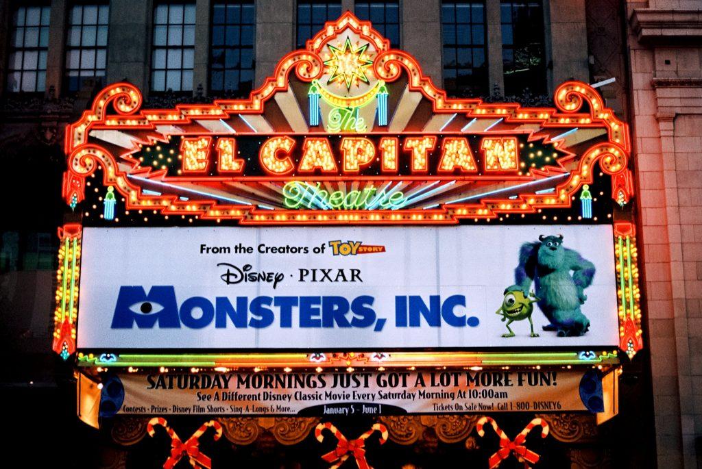 الطرح الأول لـ شركة المرعبين في السينمات الأمريكية