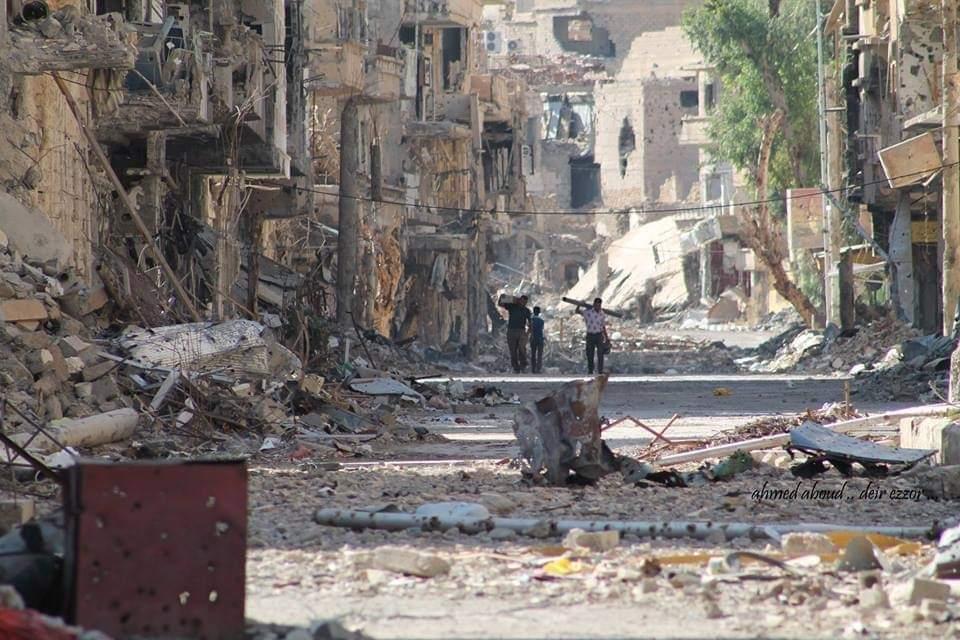 أحد أحياء مدينة دير الزور المدمرة
