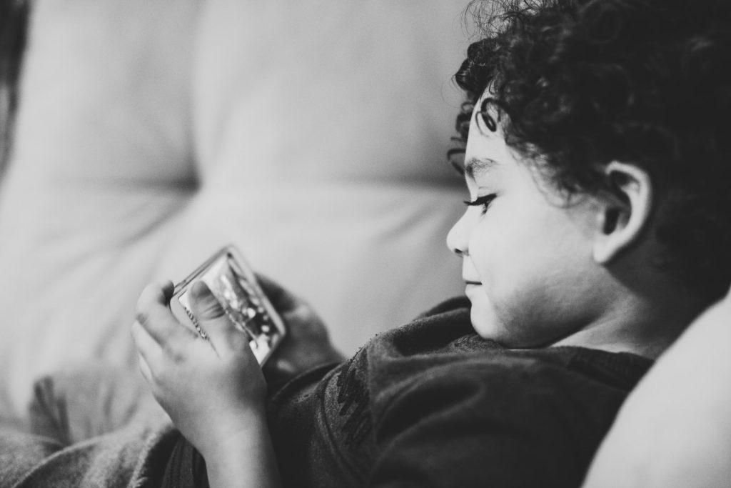 أول هاتف ذكي لطفلك