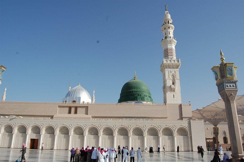 القبة الخضراء فوق قبر الرسول
