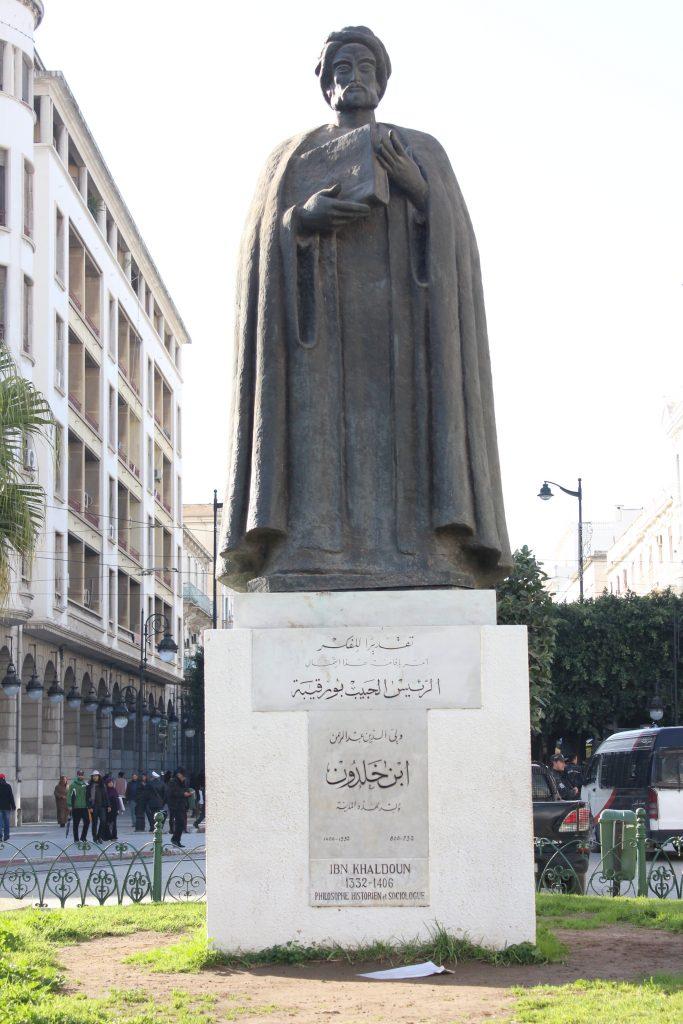 تمثال لابن خلدون مُقام في تونس