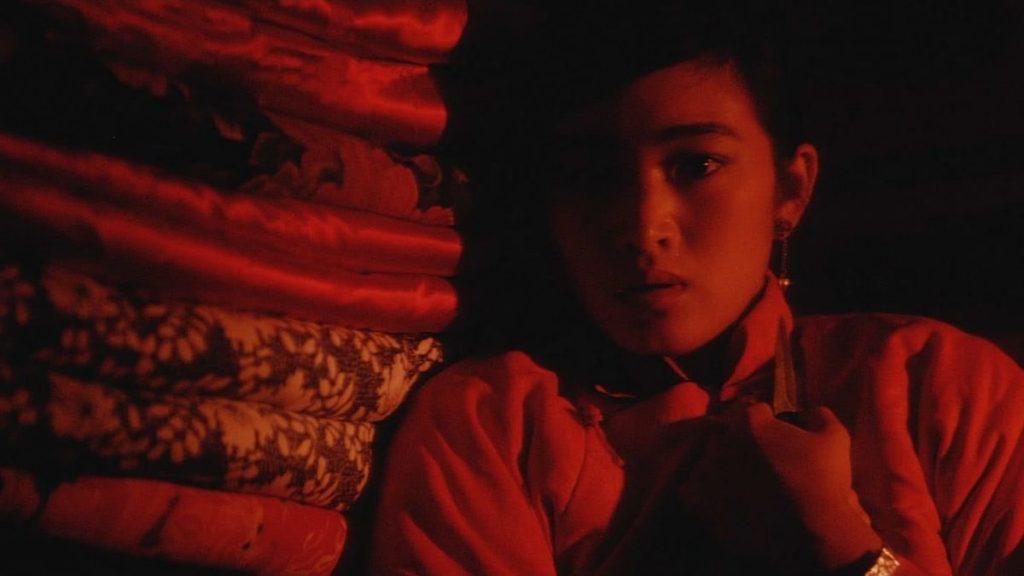 من فيلم الذرة الحمراء 1987
